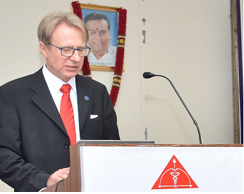 Photo of Dr Norbert Stasche,Germany conducts FEES in ENT Workshop in Chennai